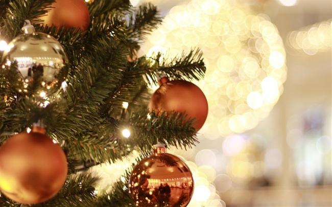 christmas_tree_decorations-merry_christmas_2017_hd_wallpaper_medium